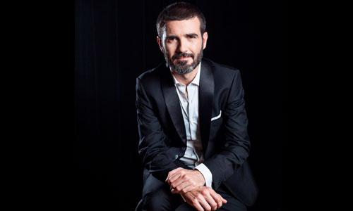 Óscar Oliver, piano